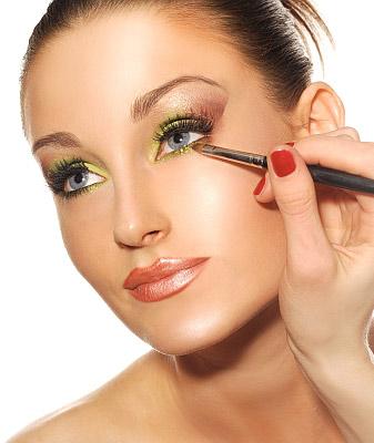 Makijaż w kolorze roku - mus z limonki - krok 3