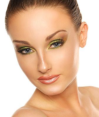 Jak wykonać makijaż w kolorze musu z limonki